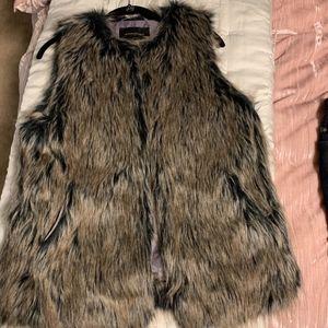 Banana Republic Faux Fur Vest Pockets !Luxe!